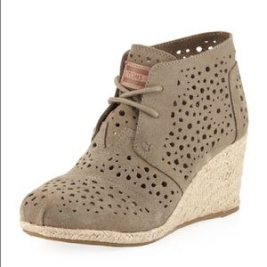 Toms Taupe Morrocan Cutout Desert Wedge Shoes 6W